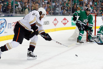 Mathieu Perreault Anaheim Ducks v Dallas Stars - Game Three