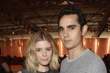 Max Minghella Louis Vuitton : Front Row  - Paris Fashion Week Womenswear Fall/Winter 2014-2015
