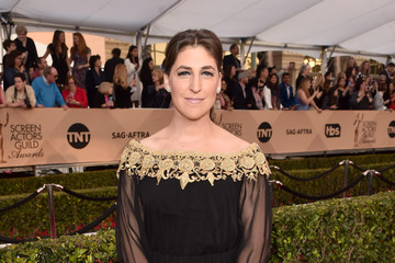 Mayim Bialik 22nd Annual Screen Actors Guild Awards - Red Carpet