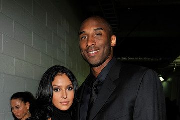 Kobe Bryant Vanessa Bryant Memorial Service For Michael Jackson Draws Thousands Of Fans And Mourners