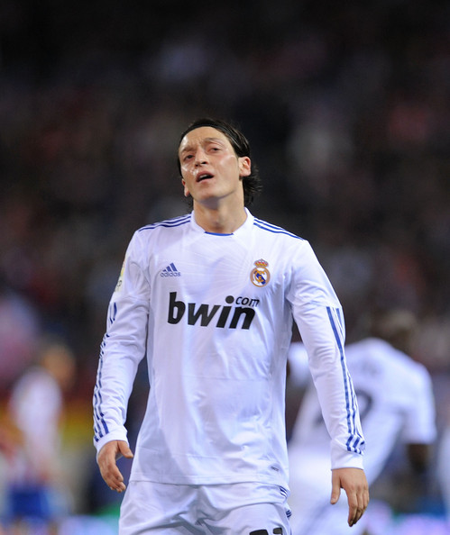 صور للاعب مسعود أوزيل ..◄███▓▒░ ஐ Mesut+Ozil+Atletico+Madrid+v+Real+Madrid+La+1Z00350O27ll