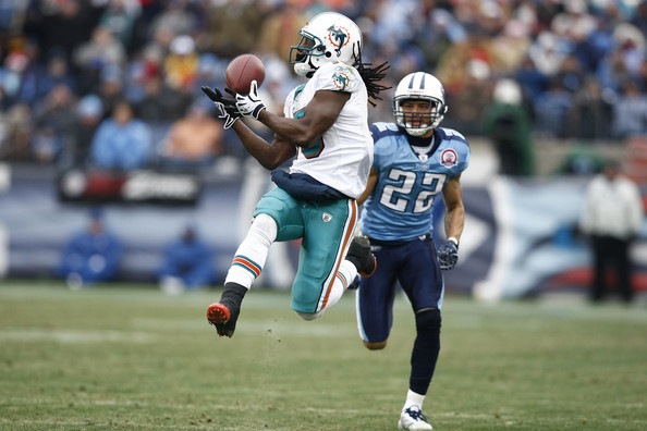 Browns acquire veteran WR Bess from Dolphins