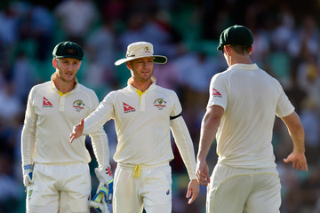 Michael Clarke England v Australia: 5th Investec Ashes Test - Day Two
