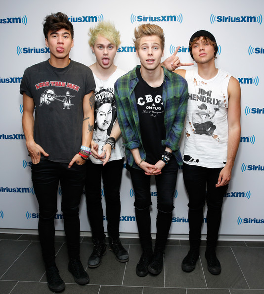 5sos dating games The best-selling unofficial one direction game comes to android do you love one direction have you ever dreamed of dating them well now you can.