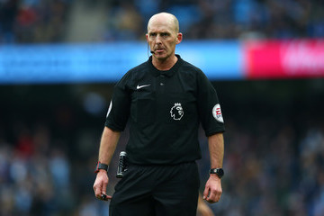Mike Dean Manchester City v Swansea City - Premier League