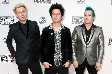 Mike Dirnt 2016 American Music Awards - Arrivals