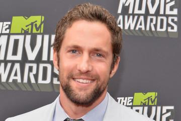 Mike Faiola Arrivals at the MTV Movie Awards 4