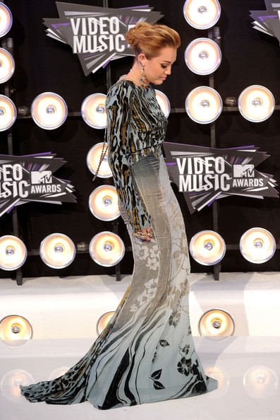 Miley Cyrus - 2011 MTV Video Music Awards - Arrivals