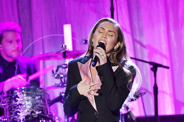 Miley Cyrus The Women's Cancer Research Fund's An Unforgettable Evening Benefit Gala - Show