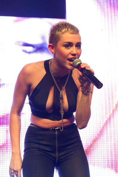 Love it or Loathe it: Miley Cyrus' Boob-Baring Crop Top