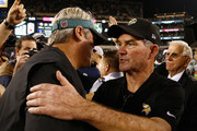 (L-R) Head coach Doug Pederson of the Philadelphia Eagles shakes hands with head coach Mike Zimmer of the Minnesota Vikings after the Vikings 23-21 win at Lincoln Financial Field on October 7, 2018 in Philadelphia, Pennsylvania.