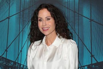 """Minnie Driver Premiere Of Warner Bros Pictures' """"Motherless Brooklyn"""" - Arrivals"""