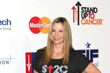 Mira Sorvino Hollywood Unites For The 4th Biennial Stand Up To Cancer (SU2C), A Program Of The Entertainment Industry Foundation (EIF) - Arrivals