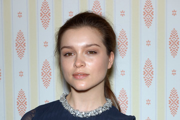 sophie cookson gif hunt