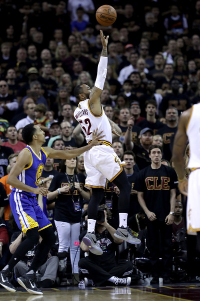 2016 NBA Finals - Game Six [basketball moves,sports,basketball player,team sport,ball game,basketball,player,tournament,fan,basketball court,game six,mo williams,user,user,note,ball,game,nba,finals,half]