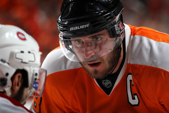 Mike Richards #18 of the Philadelphia Flyers prepares to face off against the Montreal Canadiens in Game 1 of the Eastern Conference Finals during the 2010 NHL Stanley Cup Playoffs at Wachovia Center on May 16, 2010 in Philadelphia, Pennsylvania.