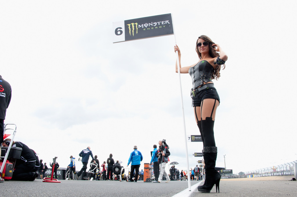 how to become a motogp grid girl