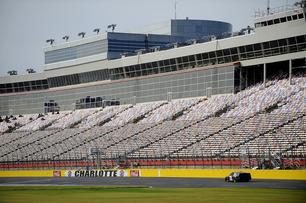 Kevin harvick photos photos nascar testing charlotte for Charlotte motor speedway pictures