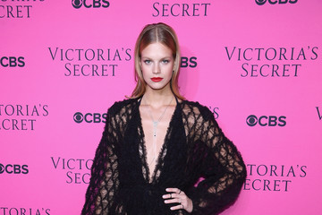 Nadine Leopold Victoria's Secret Angels Gather to Watch the 2017 Victoria's Secret Fashion Show