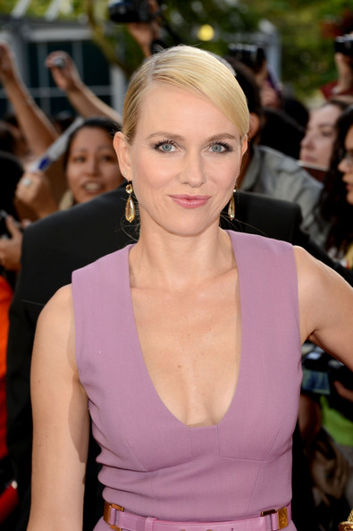 "Naomi Watts - ""The Impossible"" Premiere - Arrivals - 2012 Toronto International Film Festival"