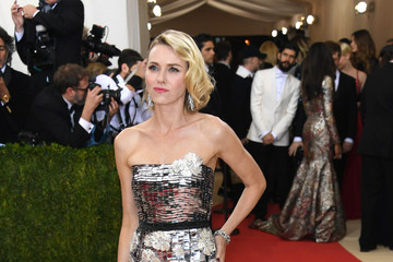 Naomi Watts 'Manus x Machina: Fashion In An Age of Technology' Costume Institute Gala - Arrivals
