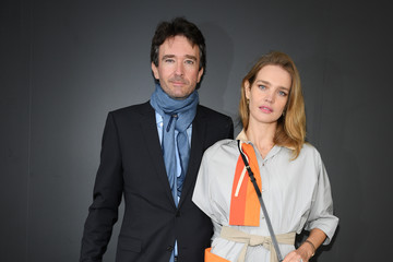 Natalia Vodianova Antoine Arnault Louis Vuitton : Photocall -  Paris Fashion Week - Womenswear Spring Summer 2021