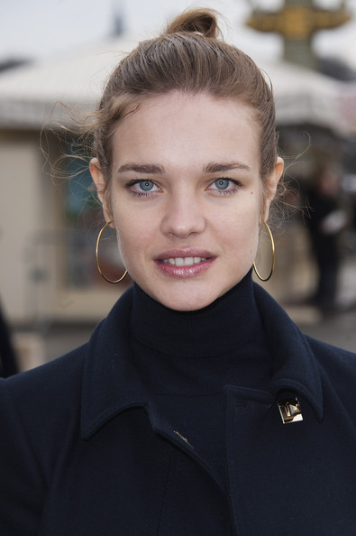 Natalia Vodianova Natalia Vodianova arrives at the Valentino Ready-To-Wear Fall/Winter 2012 show as part of Paris Fashion Week at Espace Ephemere Tuileries on March 6, 2012 in Paris, France.