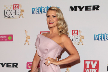 Natalie Bassingthwaighte 2014 Logie Awards - Arrivals