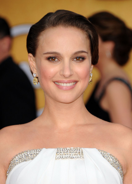 Natalie Portman Actress Natalie Portman arrives at the 17th Annual Screen Actors Guild Awards held at The Shrine Auditorium on January 30, 2011 in Los Angeles, California.
