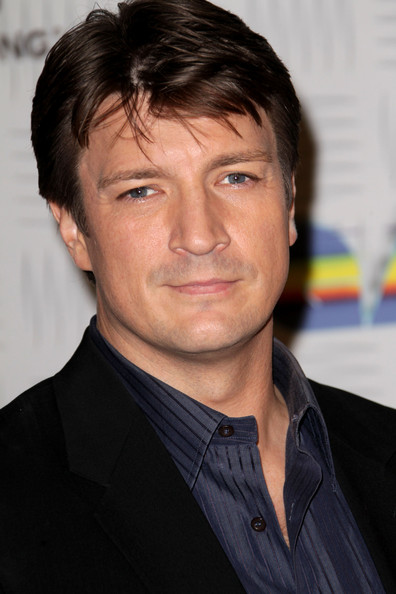 http://www3.pictures.zimbio.com/gi/Nathan+Fillion+Spike+TV+2010+Video+Game+Awards+tNO50NzG5kZl.jpg
