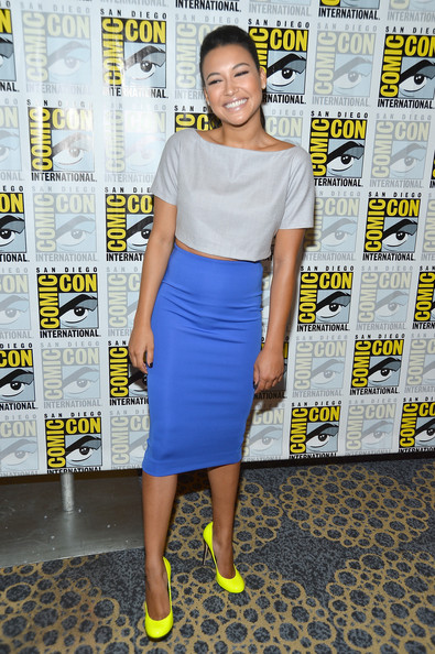 http://www3.pictures.zimbio.com/gi/Naya+Rivera+GLEE+Press+Room+Comic+Con+International+91Up6an-kZOl.jpg
