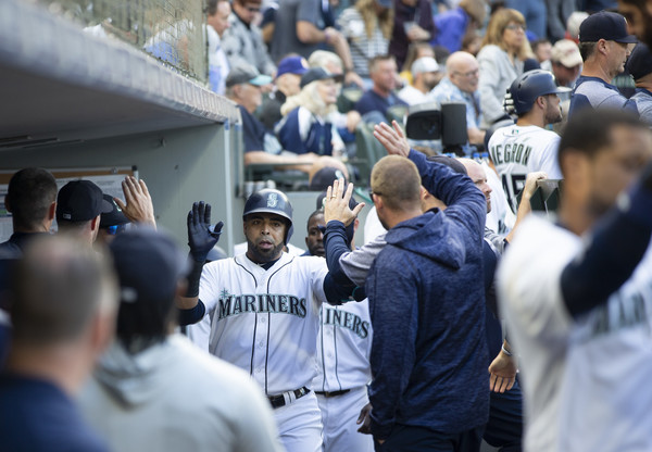 San Diego Padres vs. Seattle Mariners []