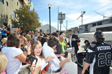 Billy Ray Cyrus Billy Ray Cyrus Greets Fans Outside The CMA Awards
