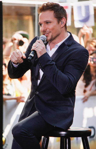 Drew Lachey of 98 Degrees performs on'The Today Show' on May 31, 2013 in New York, New York.