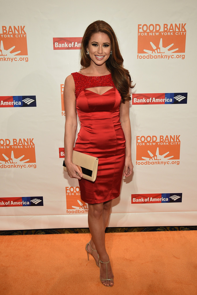 nia sanchez, miss usa 2014. - Página 25 Nia+Sanchez+Food+Bank+New+York+City+Can+Awards+UN3S3pNRCLTx