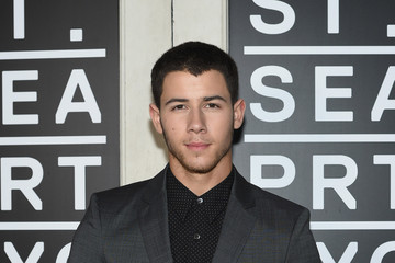 Nick Jonas Nick Jonas Premieres His New Music Video