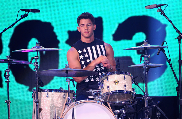 Nick Jonas - Teen Choice Awards 2013 - Show