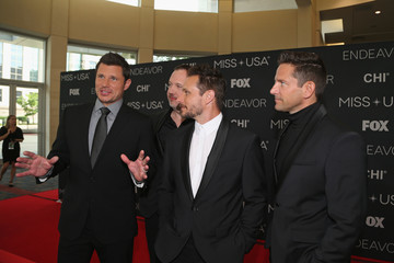 Nick Lachey Justin Jeffre 2018 Miss USA Competition - Arrivals