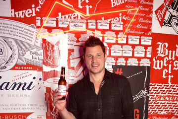 """Nick Lachey Budweiser Hosts Night Two of BUDX Miami with Halsey, Black Eyed Peas, Diplo, and 200+ """"Kings of Culture"""" from Around the World"""