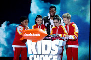 (L-R) Actors Benjamin Flores Jr., Cree Cicchino, Kel Mitchell,  Madisyn Shipman and Thomas Kuc speak onstage during Nickelodeon's 2016 Kids' Choice Awards at The Forum on March 12, 2016 in Inglewood, California.