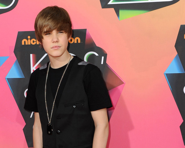 Singer Justin Bieber arrives at Nickelodeon's 23rd Annual Kid's Choice Awards held at UCLA's Pauley Pavilion on March 27, 2010 in Los Angeles, California.