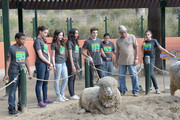 (L-R) Actors Curtis Harris, Kira Kosarin, Ryan Newman, Sydney Park, park vollunteers and actress Amber Montana attend Nickelodeon Get Dirty Earth Day at Los Angeles Zoo on March 9, 2014 in Los Angeles, California.