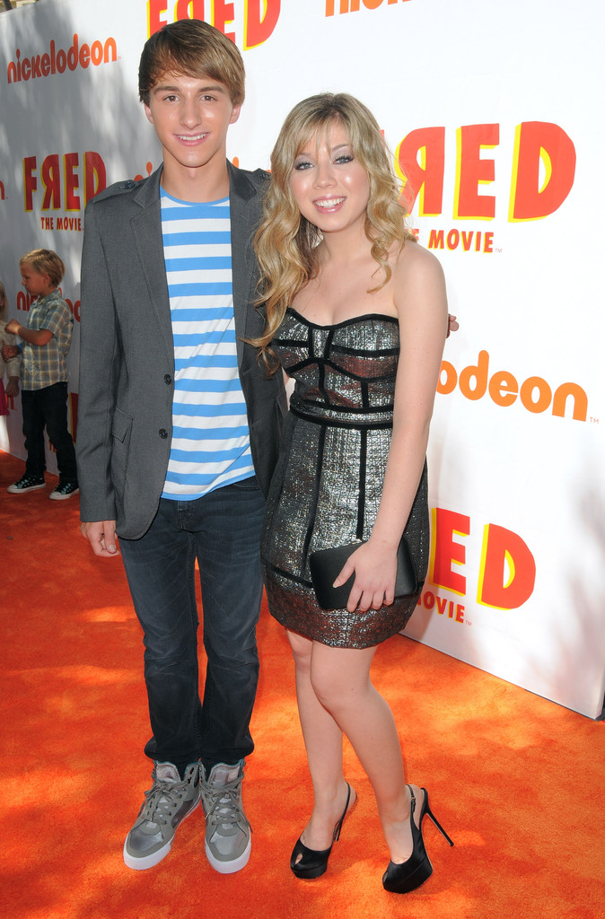 Jennette mccurdy dating in Perth