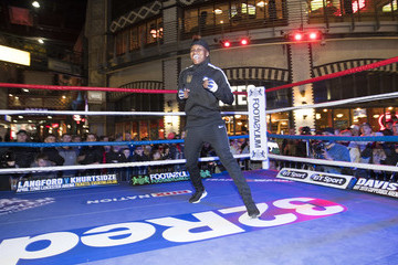 Nicola Adams Terry Flanagan And Petr Petrov Public Work Out