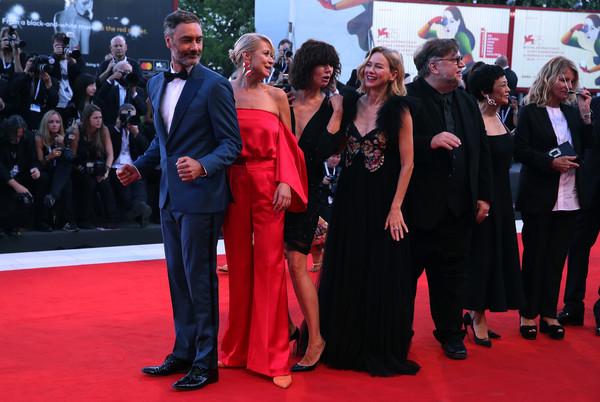 Award Ceremony Red Carpet Arrivals - 75th Venice Film Festival [red carpet,carpet,premiere,red,event,flooring,dress,suit,guillermo del toro,jury members,president,taika waititi,naomi watts,malgorzata szumowska,award ceremony,venice film festival,red carpet arrivals,official competition]