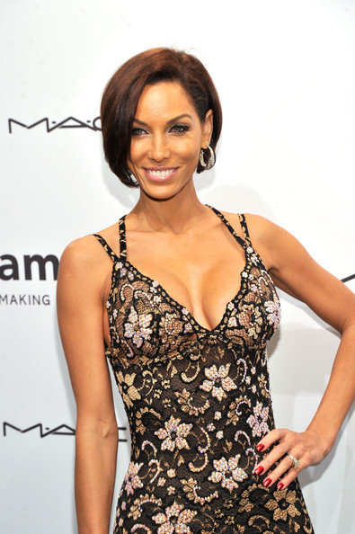Nicole Murphy attends the amfAR New York Gala to kick off Fall 2013