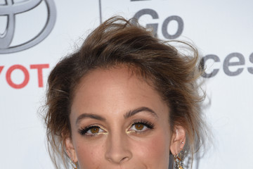 Nicole Richie 26th Annual EMA Awards - Arrivals