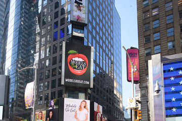 Nikki Sharp Models Do Eat Book Launch, Featured On 12 billboards At Times Square With Jill de Jong, Liana Werner-Gray, Nikki Sharp And Sarah Deanna