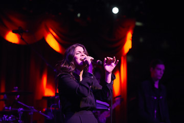 Nikki Yanofsky Wyclef Jean Performs in Concert - Brooklyn, New York