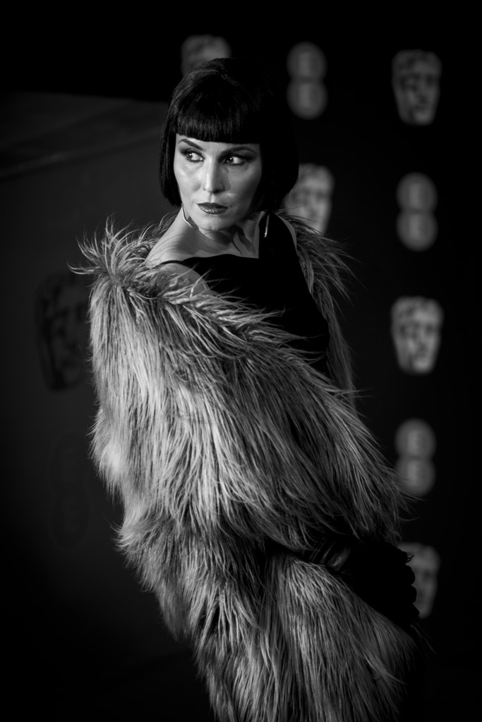 http://www3.pictures.zimbio.com/gi/Noomi+Rapace+EE+British+Academy+Film+Awards+JgVSgOgowv4x.jpg